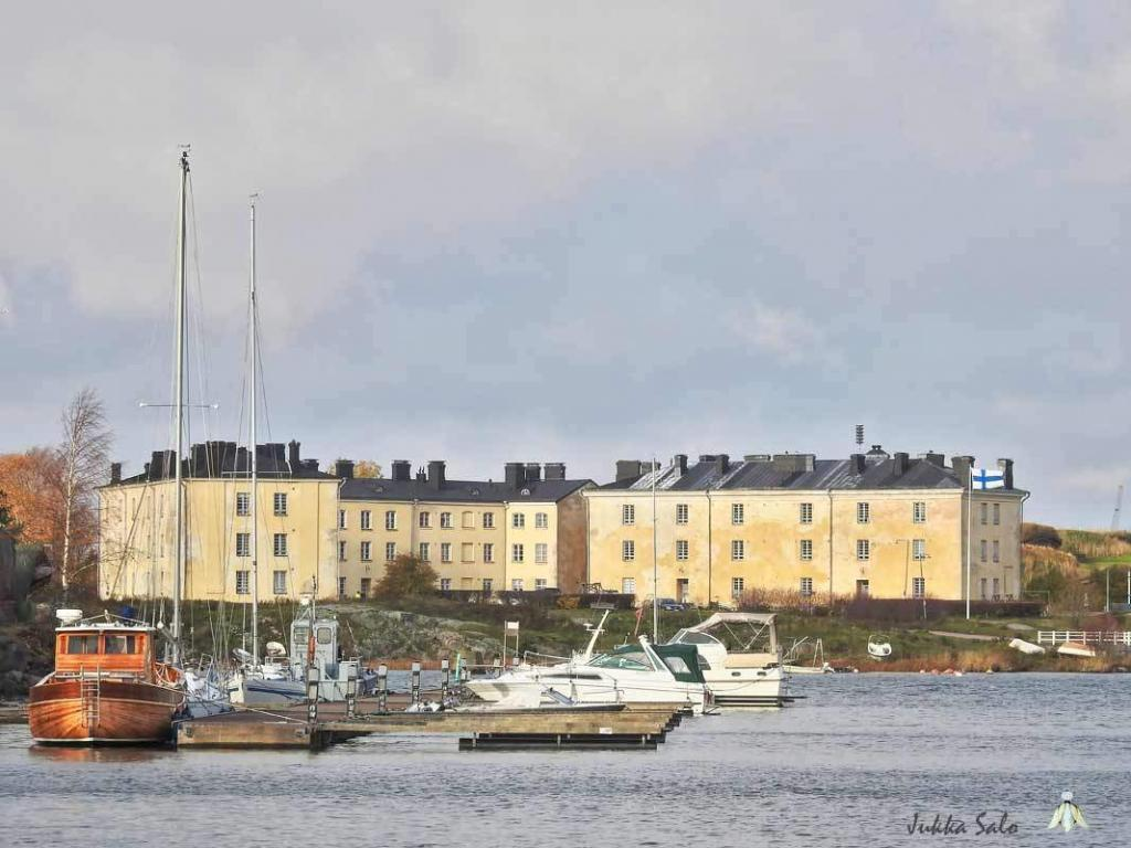 Näkymä satama-alueelle