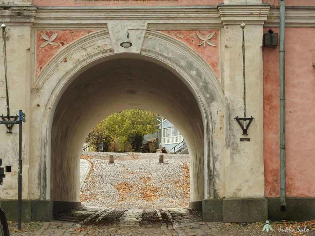 Rantakasarmin portti